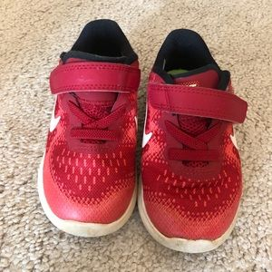 Toddler Nike Shoes {comes with box}